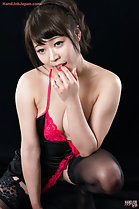 Kawagoe Yui licing cum from her fingers in lingerie wearing stockings