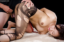 Maeshiro Shizuka in pantyhose giving footjob in lingerie
