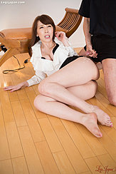 Office Lady Lying On Wood Floor Man Cumming Over Her Thigh Bare Feet
