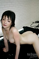 Tsuruno Yuu on all fours nude cum dripping from her chin